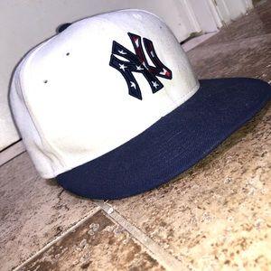 """New York Yankees """"4th of July"""" cap"""